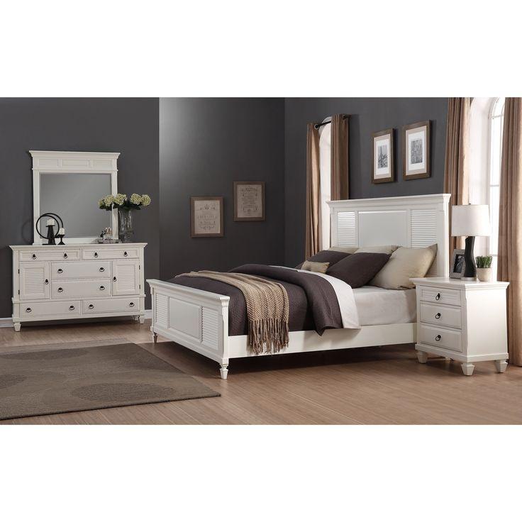 Regitina White 4 Piece Queen Size Bedroom Furniture Set (Queen)