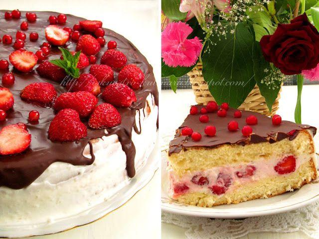 Легкий бисквитный торт с клубникой
