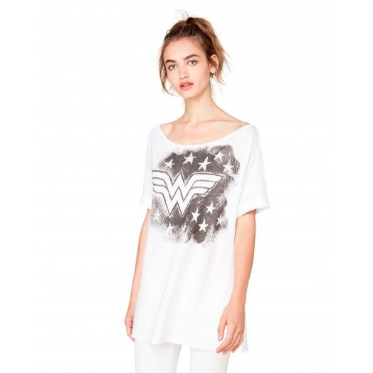 Long #WonderWoman #white t-shirt from #Benetton #woman collection