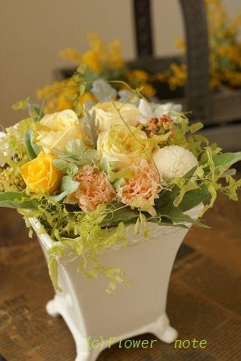 『【祝花】受付で迎えてくれるお花』 http://ameblo.jp/flower-note/entry-11225433026.html