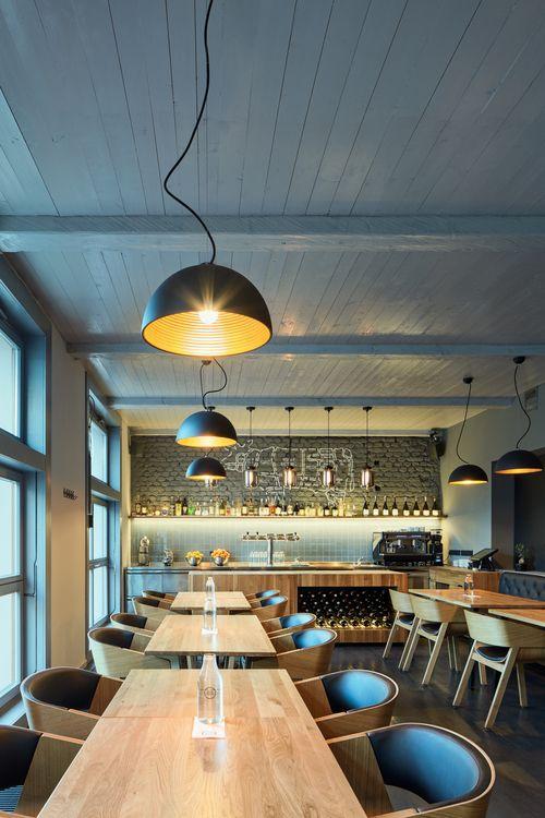 archiweb.cz  - Dock House redesign restaurace specializující se na steaky a stařené hovězí maso
