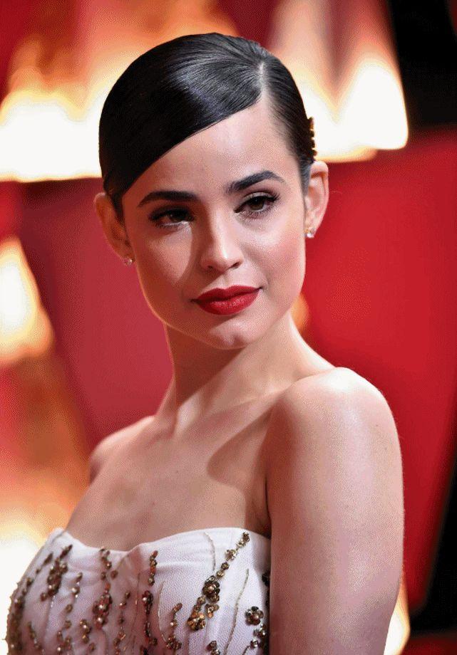 Galeria com todas as make e penteados das famosas no Oscar 2017 & Vanity Fair