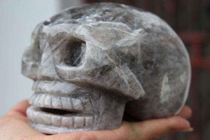 Природный Черные волосы кристалл кварца хрустальный череп, чтобы исцелить