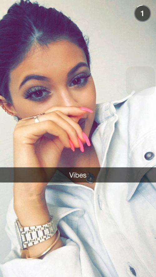 Vibes | Kylie Jenner Snapchat | kylizzlemynizzl