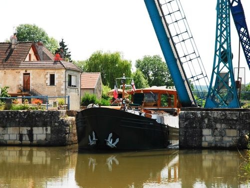 Barge cruise on Canal du Nivernais