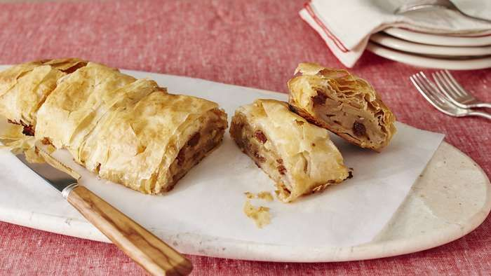 Recipe For X Apple Sheet Cake With Raisin And Pecans
