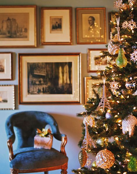 Christmas tree glitters in gold and green