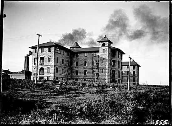 Vancouver General Hospital in 1906. It was constructed right after the Great Vancouver Fire in 1886 and it was originally a one floor building.