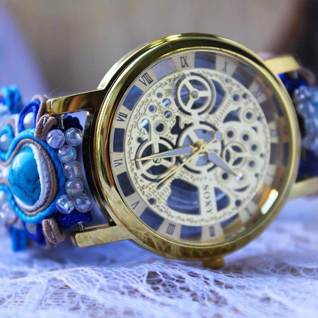 Заказываю циферблаты, для часиков😍 Принимаю предзаказ на них, уже на ноябрь-декабрь!  Кто хочет к нг🎄 порадовать себя или близких, пишите в Директ или в коментах к это у посту!  Часы можно будет сделать с ремешком любого цвета ⌚️☝🏻️#часы #наручныечасы #браслет #подарок #красивый #ремешок #clock #acsessories #annvaschyk #скелетон #часики #время #украшения #голубые