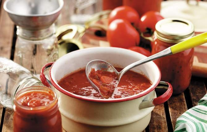 Big Batch Spaghetti Sauce - It was worth heating up the kitchen in ...