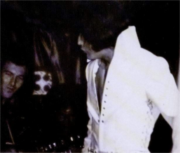 Resultado de imagem para elvis White Lace Suit 1970