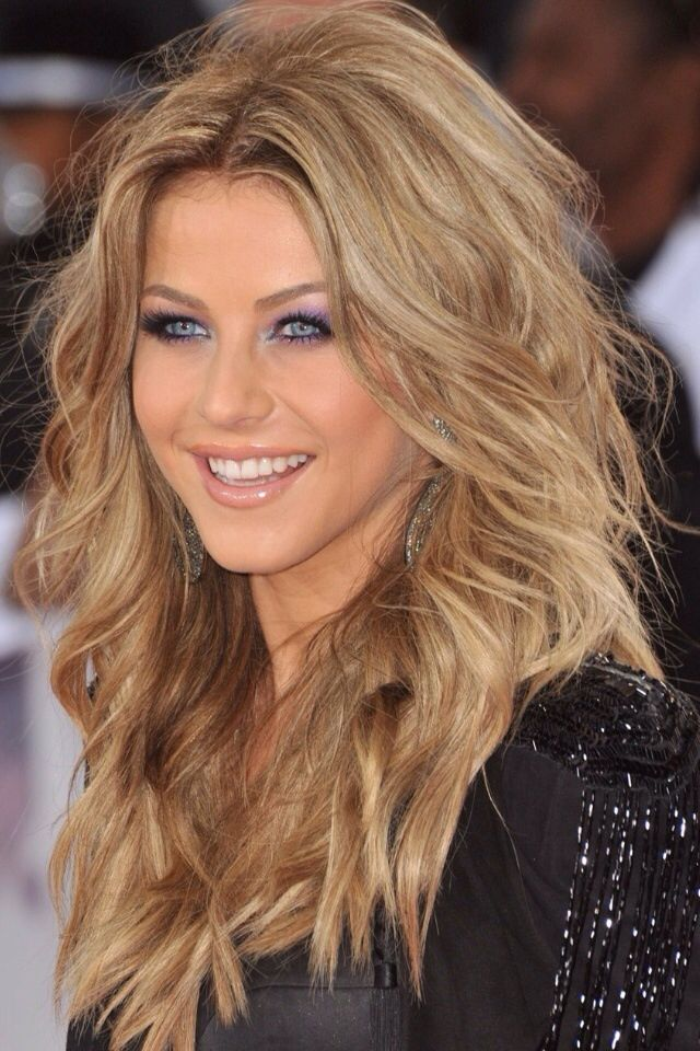 Julianne Hough hair- Wish I could get my hair to look like this!!!