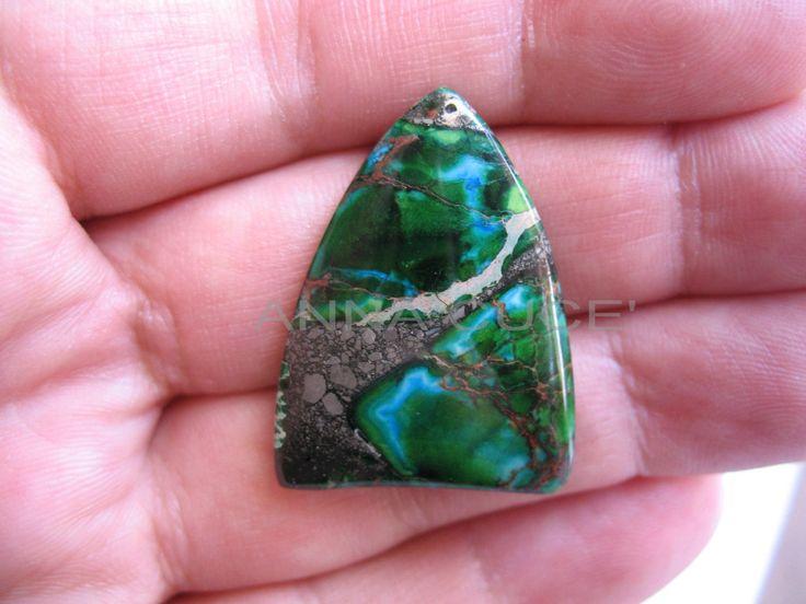 Cabochon regalite pietra preziosa tonalità verde tinta misura 3H X 2L di AnnaCuce su Etsy