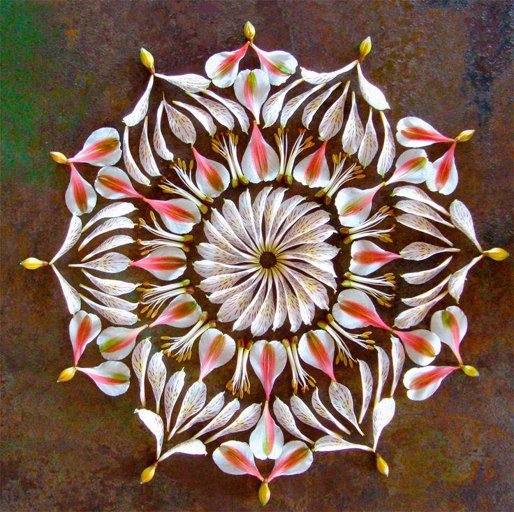Foldaway Tote - mandalas flower round by VIDA VIDA bydElpkpV