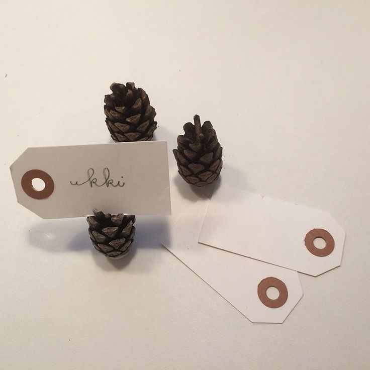 Korttipidike kävystä.  lasten | askartelu | joulu | joulukoristeet | käsityöt | koti | DIY ideas | kid crafts | christmas | home | decor | ornaments | Pikku Kakkonen