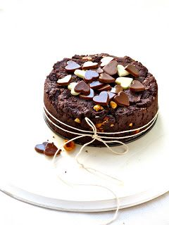 Plateful: Plateful is One! And I Say Thank You With This Intensely Chocolaty Mini Hazelnut Brownie Cake!