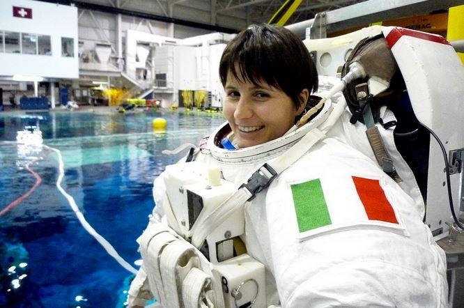 Samantha Cristoforetti prima donna italiana nello Spazio #TuscanyAgriturismoGiratola