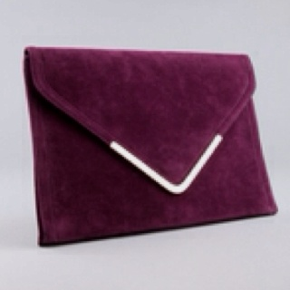 Maroon.: Signature Style, Red Wine, Quit Clutchin, Maroon Clutches, Burgundy Marsala, Bags Whore, Accessories Jewelry Handbags, Burgundy Rich, Represent Trojans