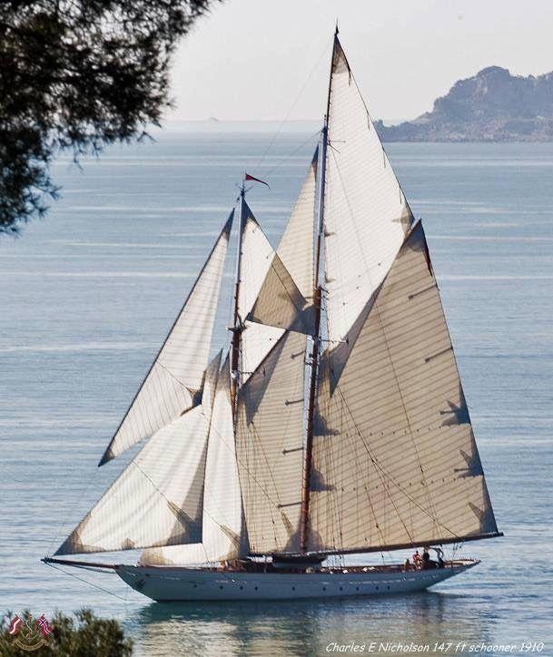 Sailing a Schooner