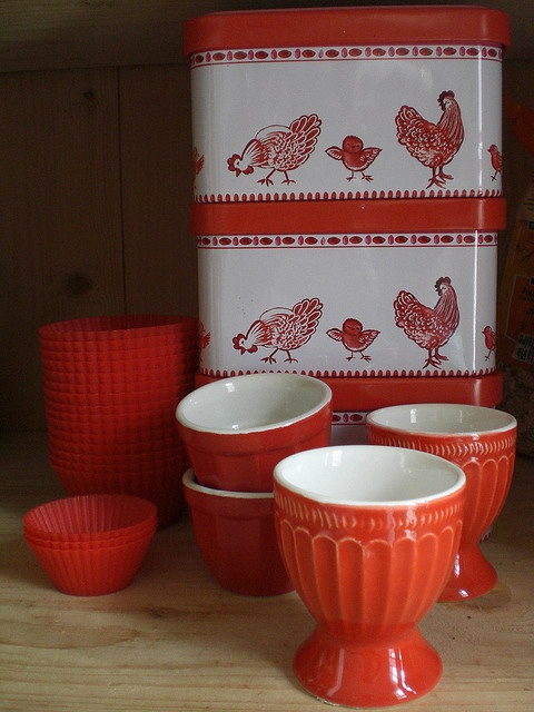 Love the chicken stacking canisters, more red for the cottage kitchen
