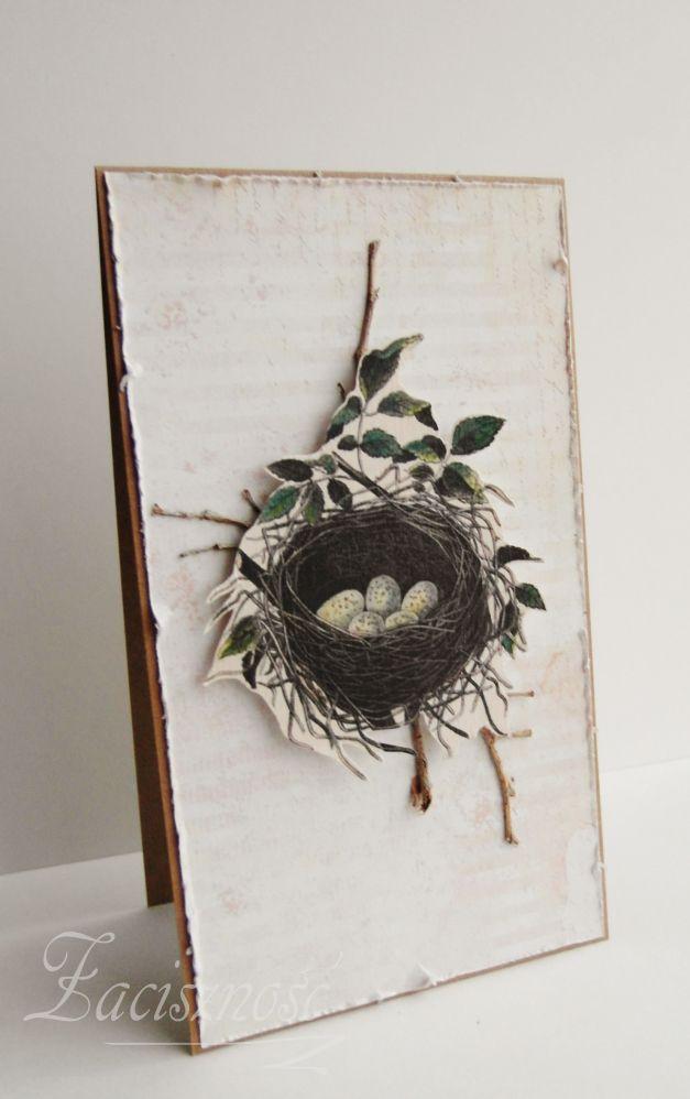 Kartka wielkanocna z ptasim gniazdem wśród gałązek/ Handmade Easter card with a nest