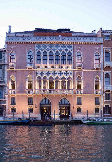 Venice, Ca' Rezzonico at the sunset | par sanguedolces