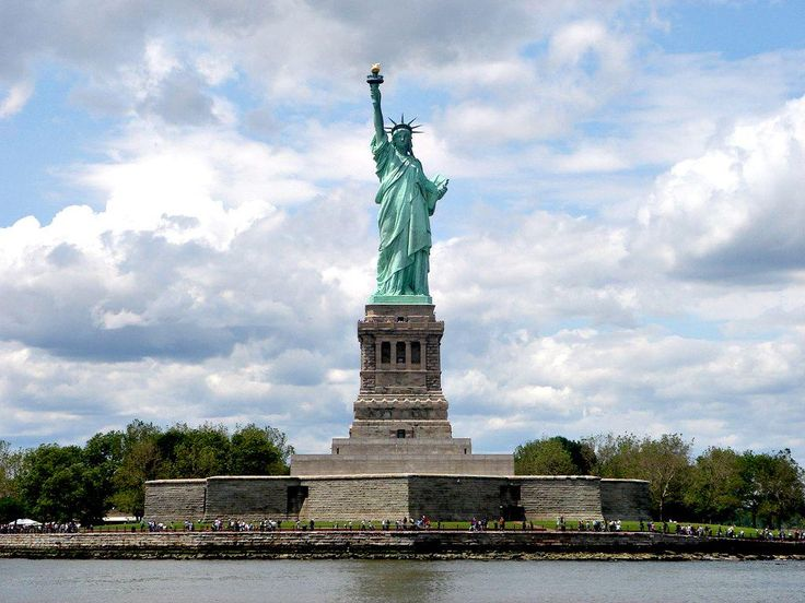 #DidYouKnow #statueofliberty was gifted to #america by the #french #travel #wanderlustwednesday #travelskills