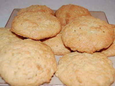 Basic biscuit recipe that you can change to chocolate or peanut butter biscuits.