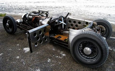 Now that's a cool Rat Rod.