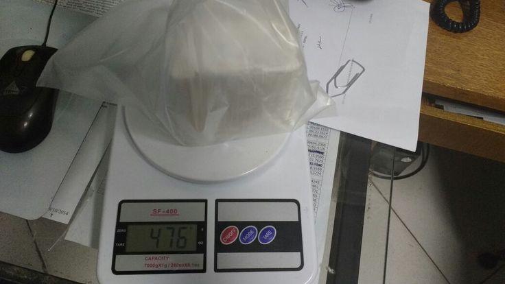 Homem é preso em São Manuel com meio quilo de cocaína - Durante patrulhamento neste fim de semana em São Manuel, os policiais Militares Cabo Olavo e Soldado Savian prenderam um homem suspeito de tráfico de drogas. Com ele, os policiais localizaram quase meio quilo de cocaína pura. Segundo informações, o suspeito teria ido buscar a droga em Botucatu e - http://acontecebotucatu.com.br/policia/homem-e-preso-em-sao-manuel-com-meio-quilo-de-cocaina/