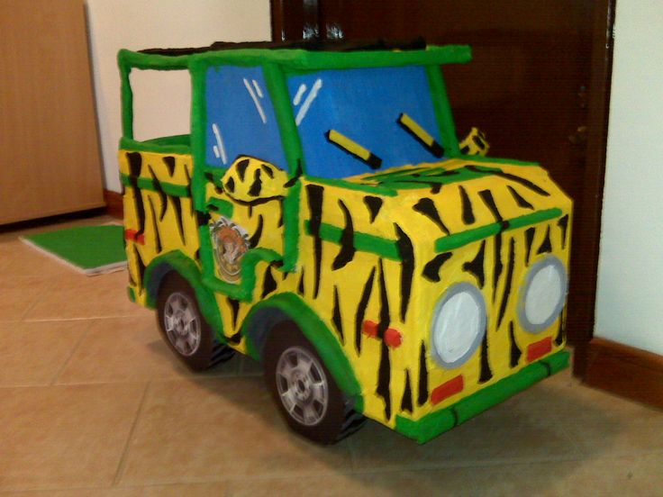 Piñata en forma de Jeep Safari, Cuampleaños #3 de David Manuel