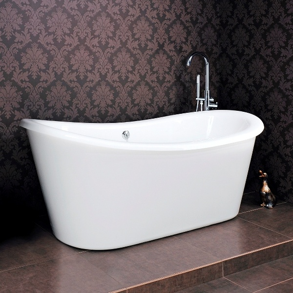 This Freestanding Double Ended Slipper Bath is perfect for adding luxury to your bathroom