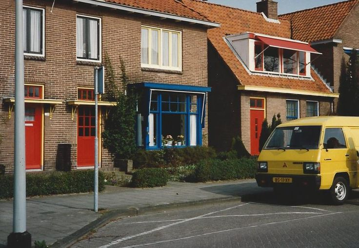 neighborhood in Drachten, Friesland (northern Holland) that is painted in primary colors.  Interesting to me.  Feb '92