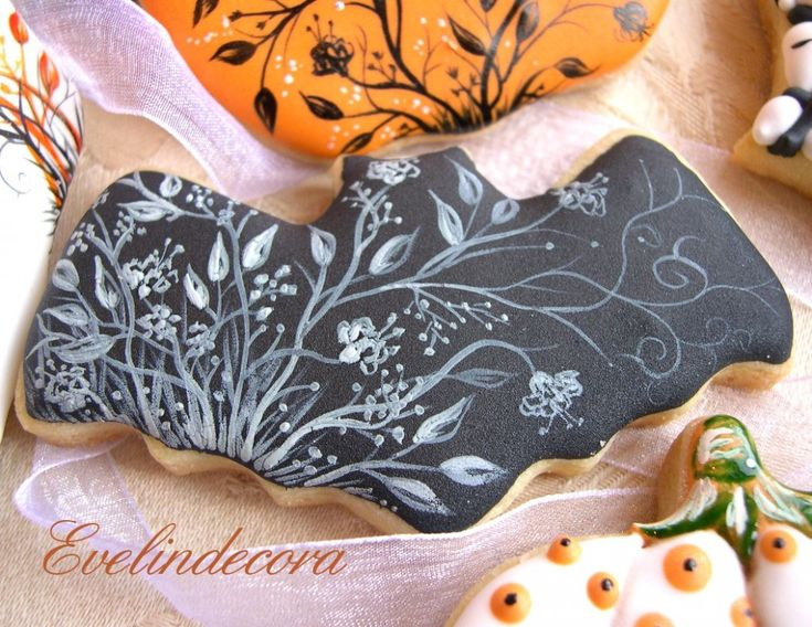 Evelindecora cookies halloween cookies in Sucre vanilla dough decorated with royal icing and hand painted with food coloring gel free Squire ...