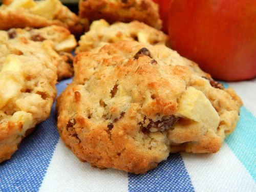 What's Cooking – #Apple and #Oat #Cookies #recipeoftheweek