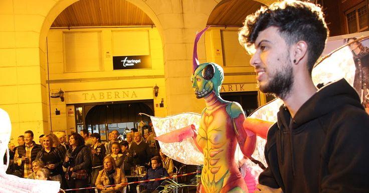BarakaldoComercial | Cientos de personas asisten en la plaza Europa al I Concurso de Maquillaje