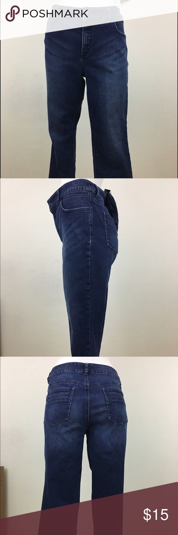 """Ladies So Slimming By Chico's Denim Jeans Women's/Ladies So Slimming By Chico's Denim Jeans, Chico Size 1 Regular, Blue  Material: 72% Cotton, 14% polyester, 13% rayon, 1% Spandex Waist approx. from side seam to side seam: 17"""" Inseam approx.: 23"""" Chico's Jeans Straight Leg"""