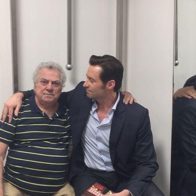 Logan | Hugh Jackman se encontra com o dublador brasileiro do Wolverine em vídeo | Notícia | Omelete