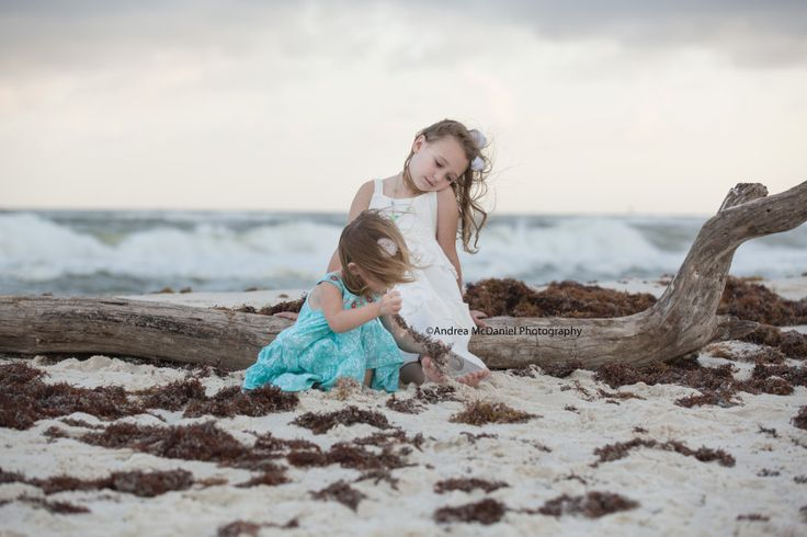Children beach pictures, Florida, beach clothing ideas, kid beach pictures, gulf shores al pictures, perdido key florida pictures, family beach pictures, Andrea McDaniel Photography