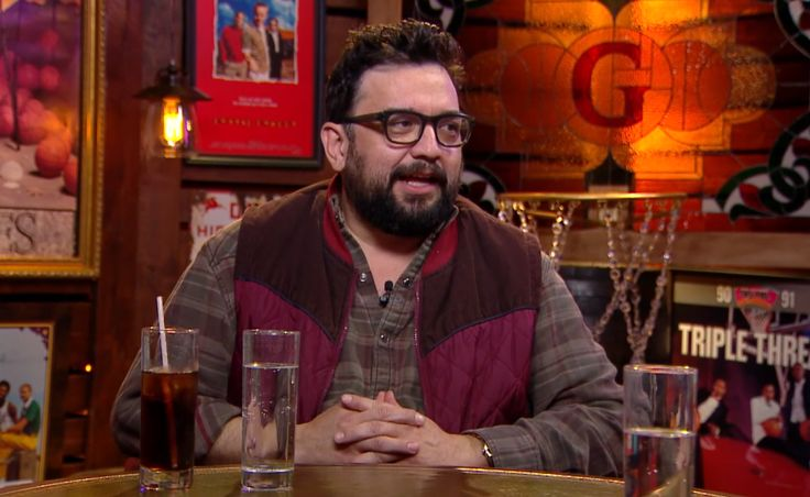 Horatio Sanz mad SNL has too much conservative BS. Can't blame Lorne Michaels (Republican)  since he has allowed both parties to take shots during his years of ownership...and yes, media culture does affect elections.