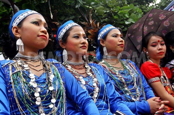 X One Hairstyle Dhaka: Bangladesh Indigenous People