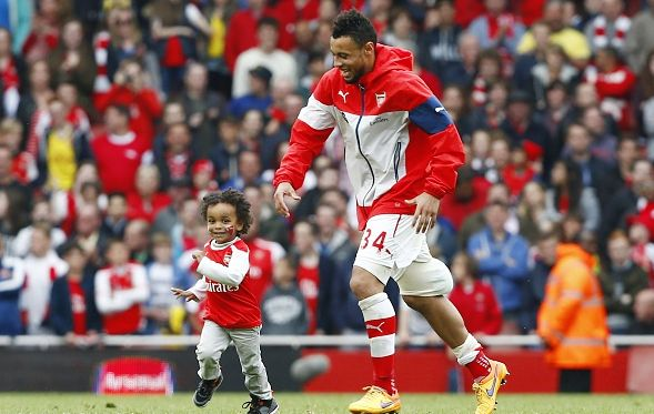 Arsenal lap of honour 2015, Francis Coquelin and his son.