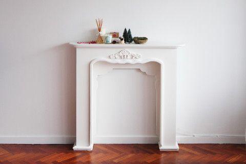 Chimenea blanca vintage decorativa