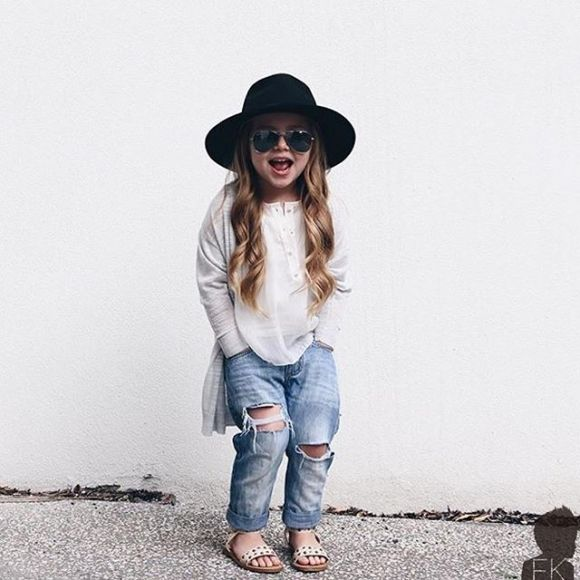 This little girl might be more fashionable than me? Looks like a Mini Vinnie.