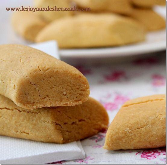 Ghribia - gâteau secs à la farine de pois chiches tunisiens Au besoin ajouter un peu d huile de table