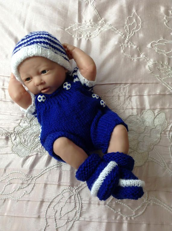 Hand knitted dolls clothes to fit 14/15 baby doll/reborn