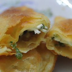 Yapması çok kolay, lezzeti dillere destan. İçi kat kat çıtır çıtır bu Puf Böreği Tarifi ne bayılacaksınız. Tarife bu adresten ulaşabilirsiniz: http://borek.tarifleri.co/puf-boregi-tarifi/