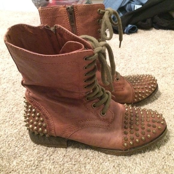 Steve Madden Studded Combat Boots Tan Steve Madden combat boots with tarnished colored studs. Worn very few times. Size 6.5 Steve Madden Shoes Combat & Moto Boots