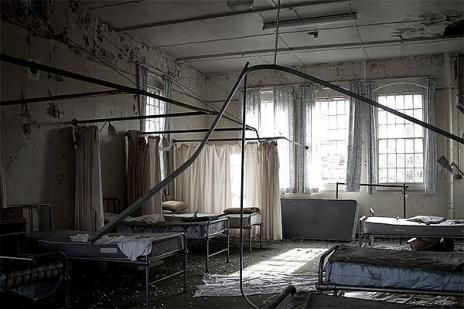 (8) hospital bed   Tumblr