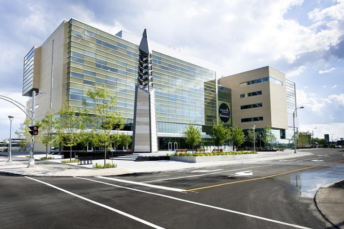 Université de Montréal à #Laval - études.